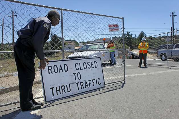 PG&E and the City of San Bruno still a few roads closed one which is Glenview Drive, Thursday August 11, 2011, where the pipeline exploded last September, killing 8 people and destroying more thatn 50 homes, in San Bruno, Calif. Photo: Lacy Atkins, The Chronicle