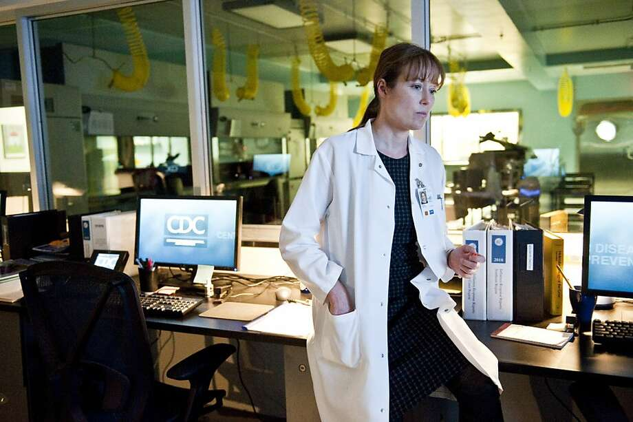 "JENNIFER EHLE as Dr. Ally Hextall in the thriller ""CONTAGION,"" a Warner Bros. Pictures release.  Photo courtesy of Warner Bros. Pictures JENNIFER EHLE as Dr. Ally Hextall in the thriller ÒCONTAGION,Ó a Warner Bros. Pictures release. Photo: Warner Bros."