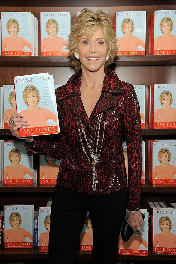 """NEW YORK, NY - AUGUST 10:  Actress/author Jane Fonda poses for a photo as she promotes""""Prime Time: Making The Most Of All Of Your Life"""" at Barnes & Noble Union Square on August 10, 2011 in New York City.  (Photo by Jemal Countess/Getty Images)  Ran on: 08-14-2011 Jane Fonda Ran on: 08-14-2011 Jane Fonda Photo: Jemal Countess, Getty Images"""