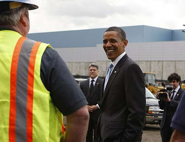 President Obama meets with construction workers building a new Solyndra solar panel factory in Fremont, Calif., on Wednesday, May 26, 2010. Photo: Paul Chinn, The Chronicle
