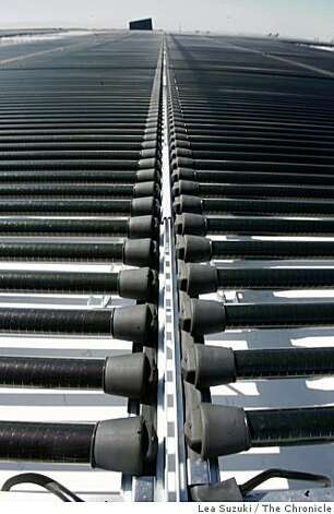 Solar tubes installed in the rooftop photovoltaic system at Solyndra corporate headquarters on Monday, October 6, 2008 in Fremont, Calif. Photo: Lea Suzuki, The Chronicle