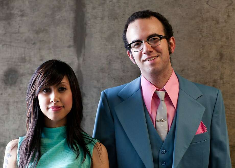 The Glowing Stars: Lizzie Cuevas (left), Matt Payne Photo: Eric Hooten