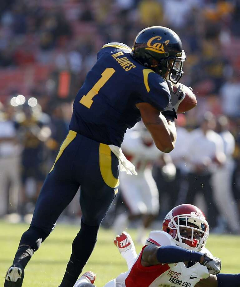 Cal's Marvin Jones (1) catches a 41 yard touchdown pass in front of Fresno State Jermaine Thomas in the second quarter of their season opener played at San Francisco's Candlestick Park Saturday September 3, 2011. Photo: Lance Iversen, The Chronicle