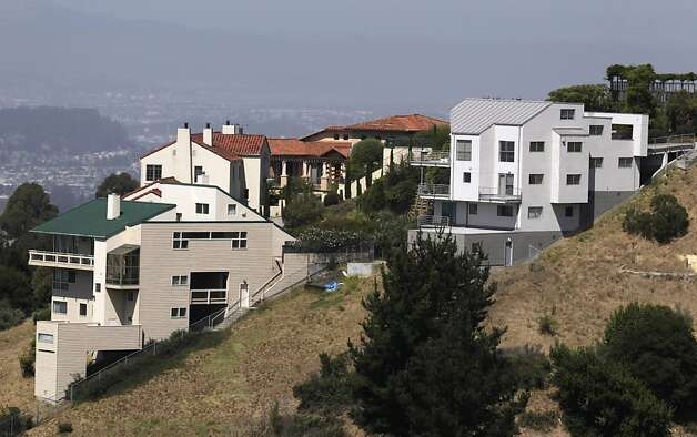 Large homes are seen the Oakland Hills on Friday, Sept. 2, 2011, where affluent homeowners can claim larger tax breaks from mortgage interest deductions. Photo: Paul Chinn, The Chronicle