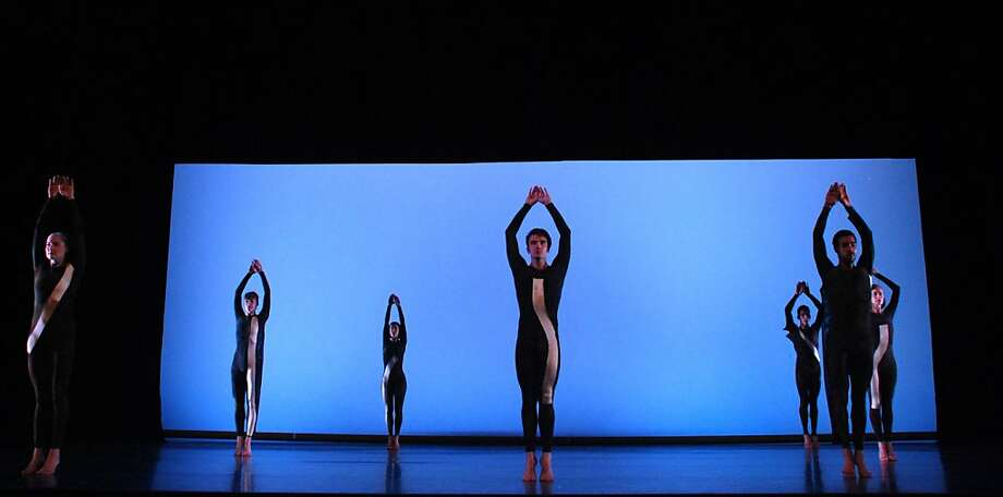 "MERCE CUNNINGHAM DANCE COMPANY / ""NEARLY NINETY 2"" 2009 Photo: Anna Finke"