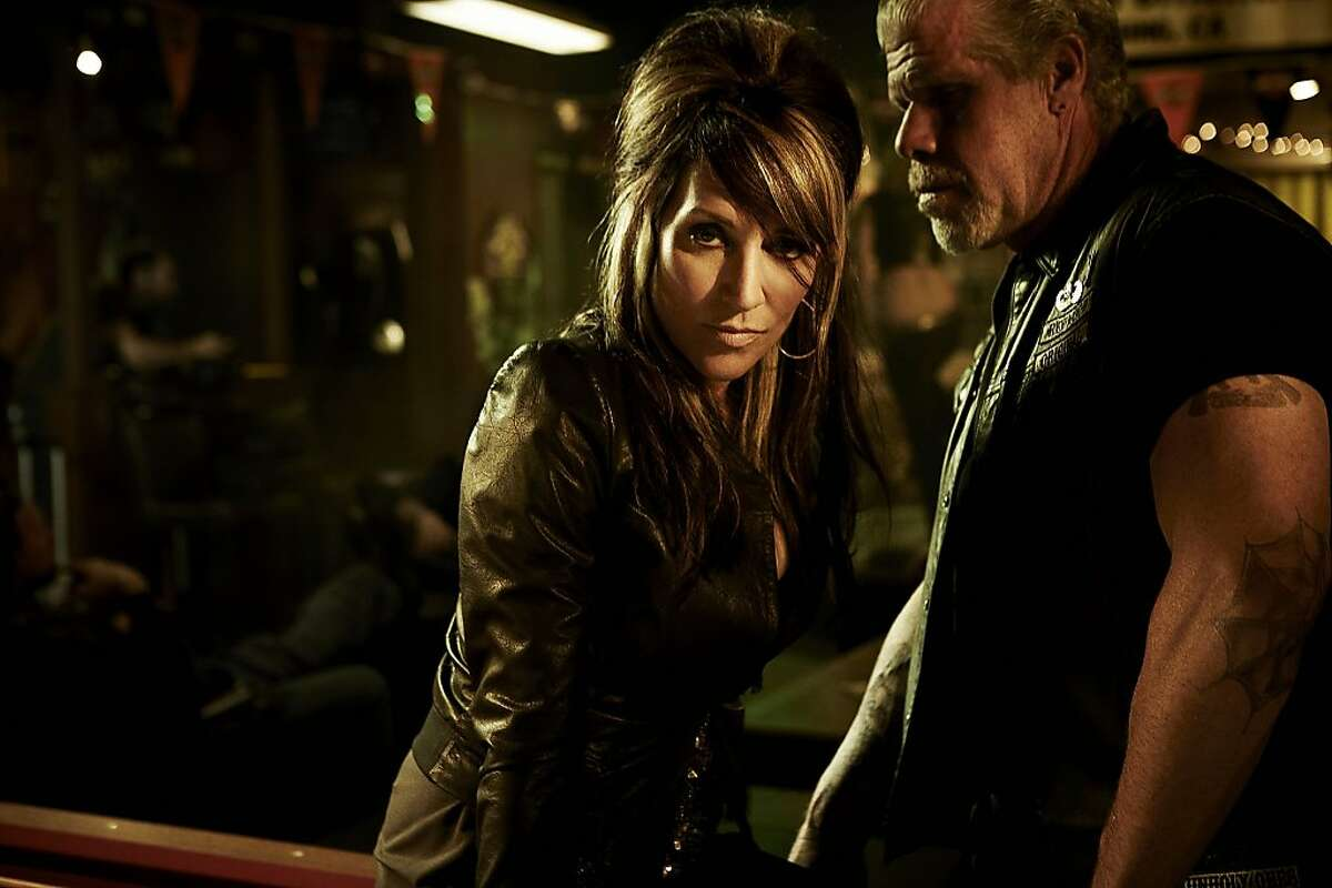 SONS OF ANARCHY: L-R: Katey Sagal and Ron Perlman. SONS OF ANARCHY: L-R: Katey Sagal and Ron Perlman. CR: James Minchin III / FX