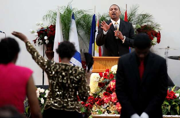 Pastor Mark Jackson delivers a sermon during a worship service at the True Love Worship Center in Van Nuys, CA on Sunday, July 31, 2011.  Mark Jackson is the new head coach of the Golden State Warriors.(Photo by Sandy Huffaker for the SF Chronicle) Photo: Sandy Huffaker, San Francsico Chronicle