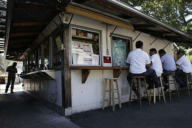 Lunchtime dinners sit outside at Buster's Southern BarBeQue and Bakery on Tuesday June 15, 2010 in Calistoga, Calif. Photo: Mike Kepka, The Chronicle