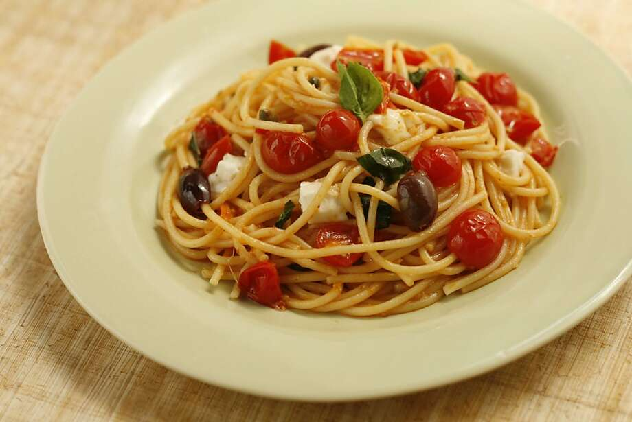 Spaghetti with Spicy Cherry Tomato Sauce, Mozzarella & Basil. Photo: Photo By Craig Lee, SFC