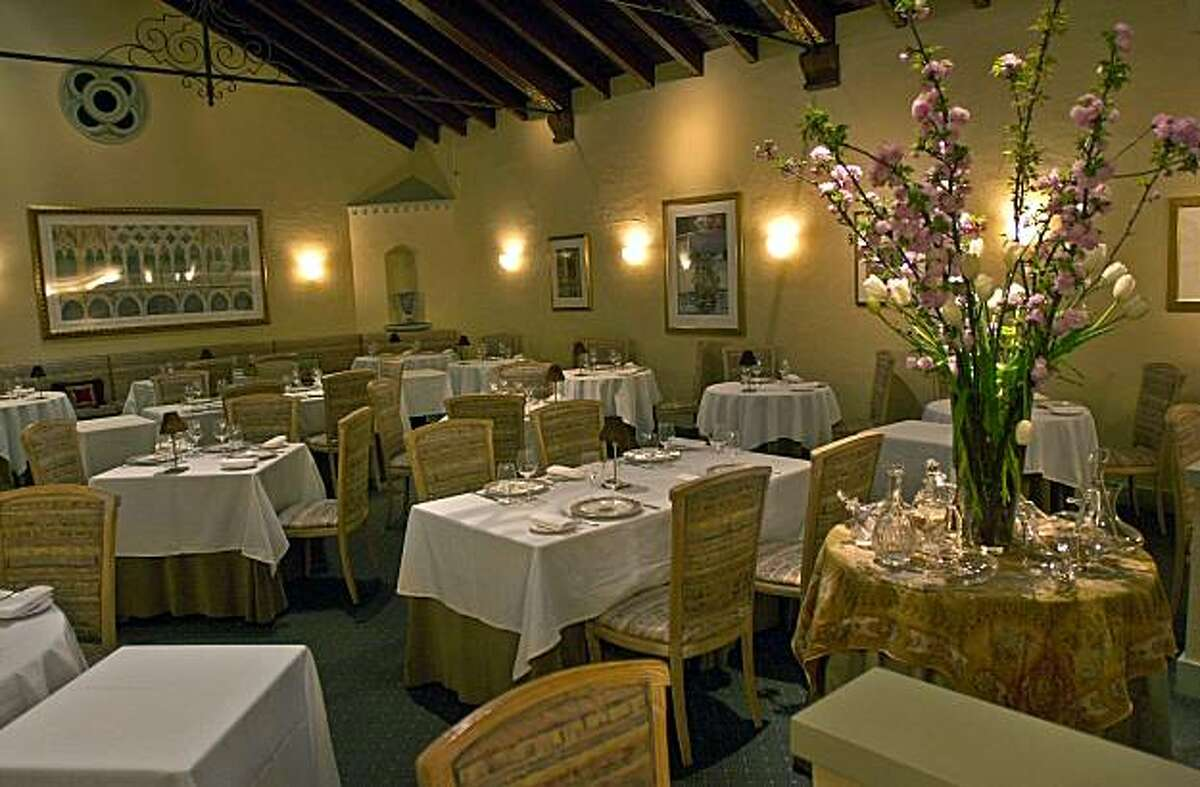 100/restaurants_035_ch.JPG Acquerello restaurant interior for 100 best restaurant book Event on 3/25/04 in San Francisco. Chris Hardy / San Francisco Chronicle
