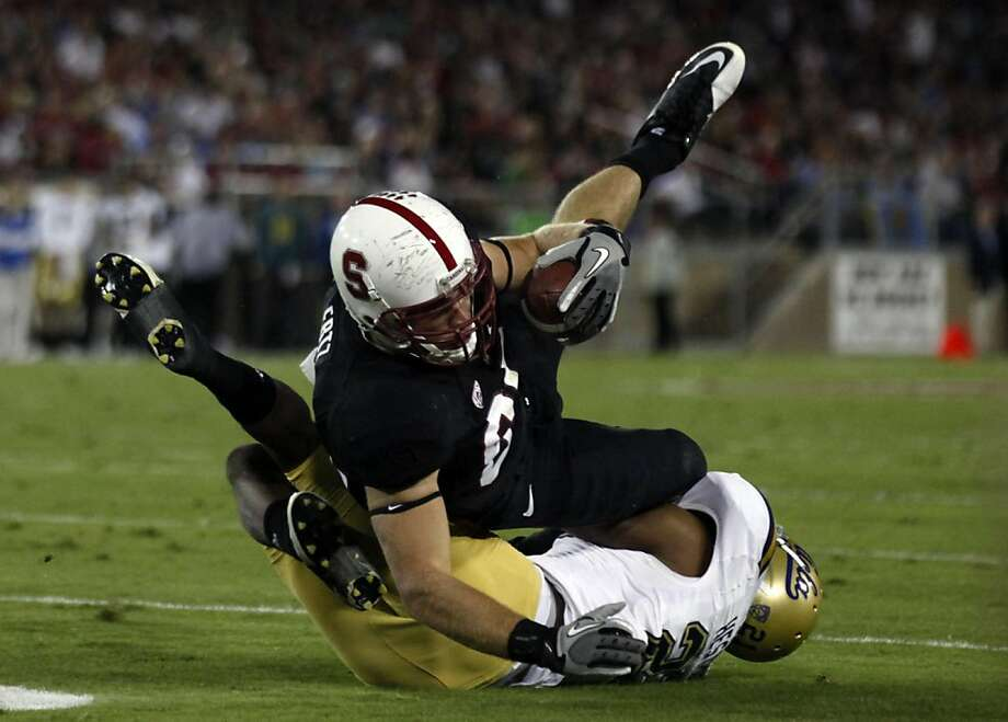 Stanford tight end Zach Ertz (86) catches a Andrew Luck #12 pass in the second quarter for a first down against the UCLA Bruinês at Stanford Stadium on October 1, 2011 in Stanford California. The Cardinal lead the Bruinês 17-7 at the half. Photo: Lance Iversen, The Chronicle