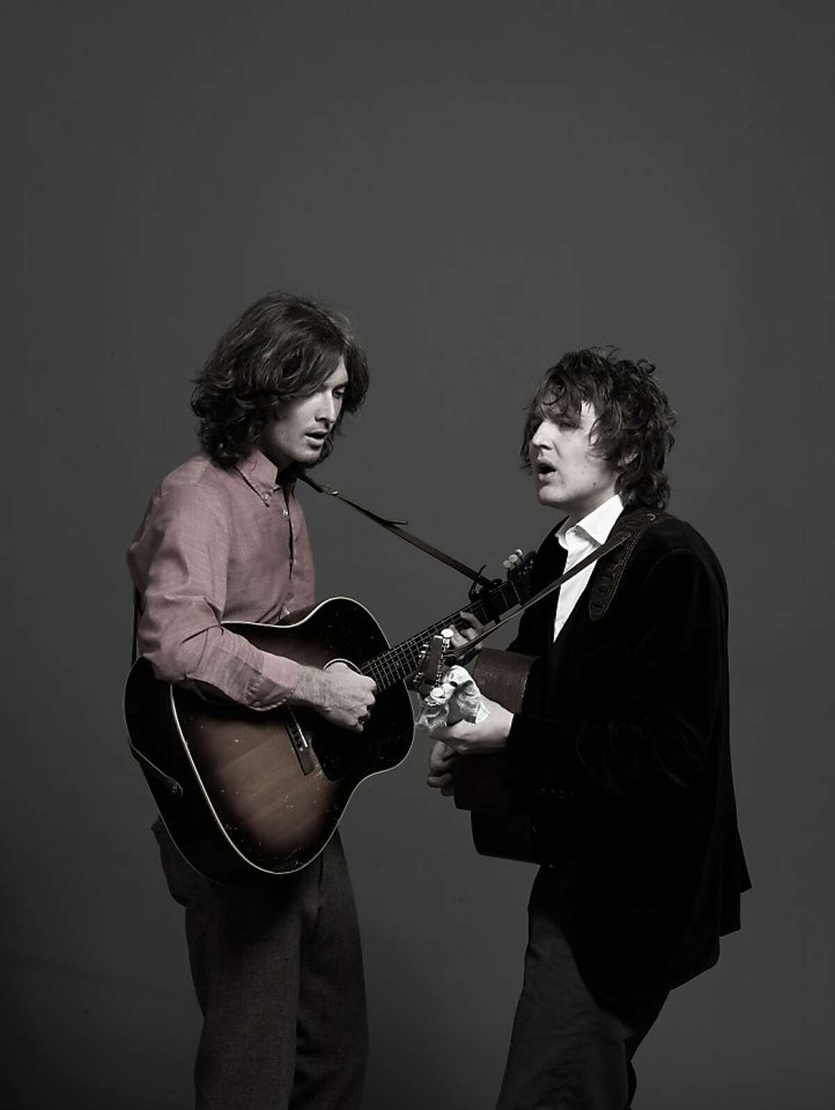 Joey Ryan (l) and Kenneth Pattengale (r) of the Milk Carton Kids.