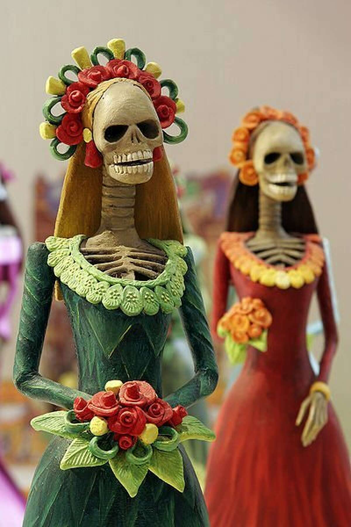 Elegantly dressed and often flirtatious, La Catrina has become a symbol Día de los Muertos and the Mexican willingness to laugh at death.