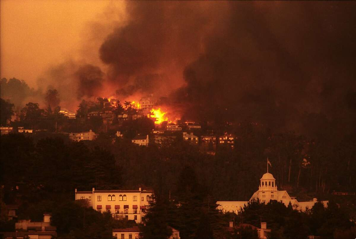 Oakland Hills Fire burned 3,280 houses and apartment buildings, on Oct. 20, 1991.