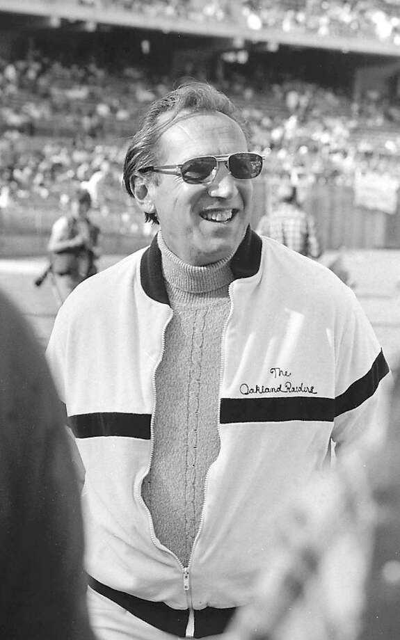 raiders_3.jpg   Oakland Raiders' Al Davis on August 9, 1981. Photo by Fred Larson/San Francisco Chronicle. Photo: Fred Larson, The Chronicle, File 1981