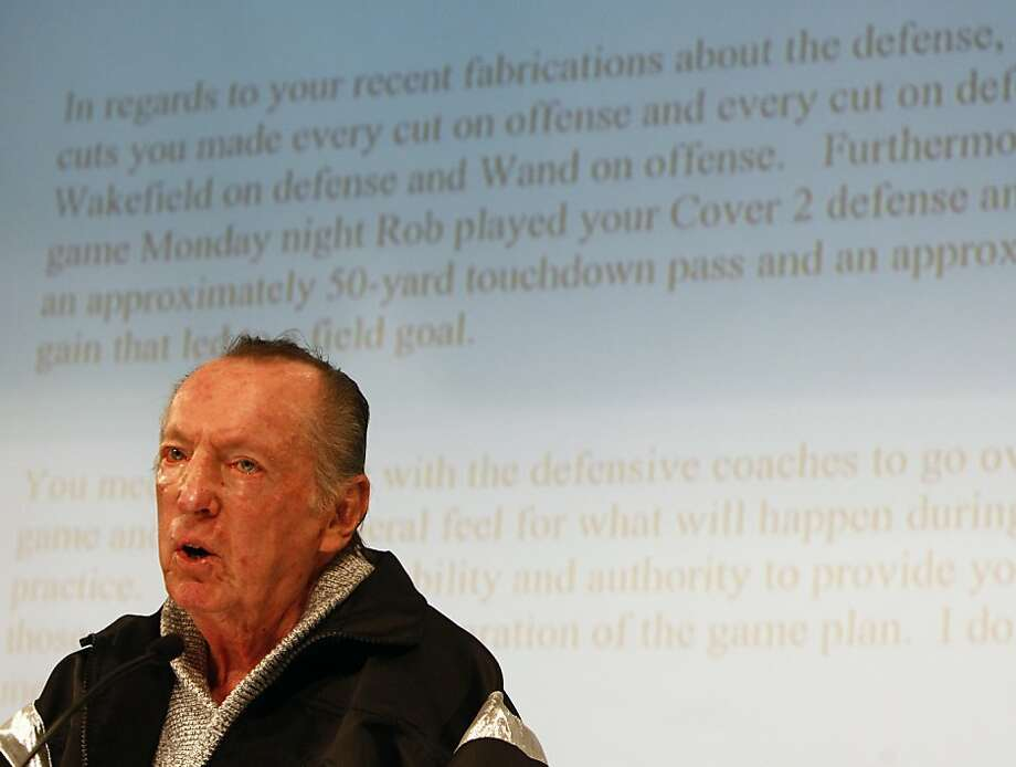 Oakland Raiders owner Al Davis displays a copy of a letter delivered to head coach Lane Kiffin before the Kansas City game at a news conference Davis held to confirm Kiffin's dismissal in Alameda, Calif., on Tuesday, Sept. 30, 2008. Ran on: 01-01-2009 Al Davis took a novel approach  --  using an overhead projector  --  to explain why he fired Raiders head coach Lane Kiffin. Ran on: 01-01-2009 Al Davis took a novel approach  --  using an overhead projector  --  to explain why he fired Raiders head coach Lane Kiffin. Photo: Paul Chinn, The Chronicle