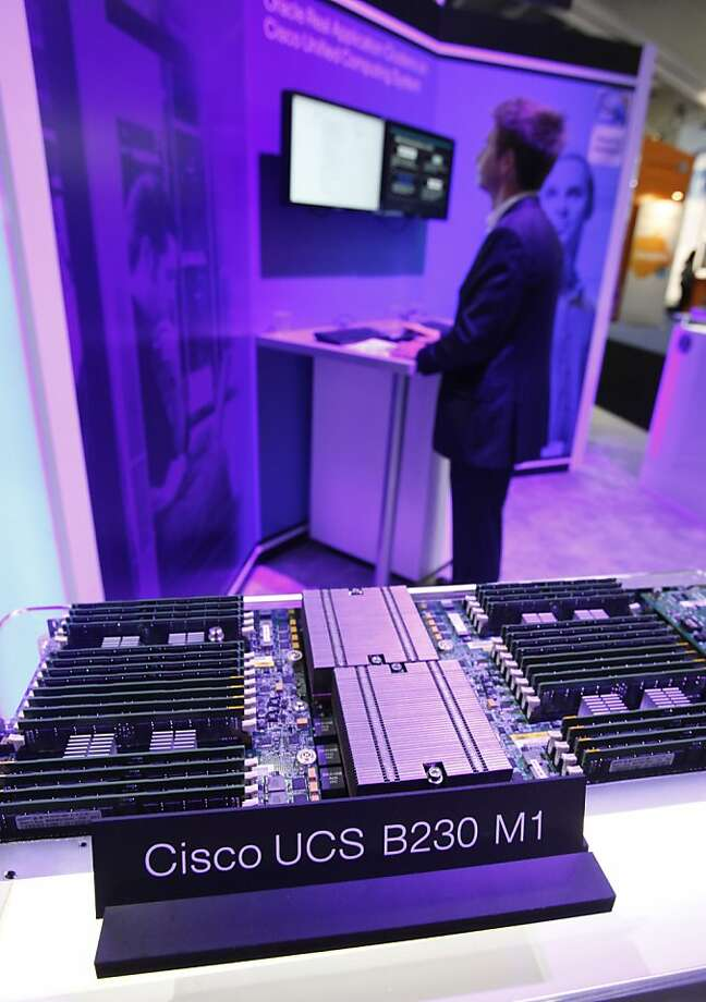 FILE - This file photo taken Sept. 22, 2010, shows a Cisco UCS B440 M1 High-Performance Blade Server at a conference in San Francisco. Cisco System Inc., reports quarterly financial results Wednesday, Nov. 9, 2011, after the market close. (AP Photo/Paul Sakuma, File) Photo: Paul Sakuma, AP