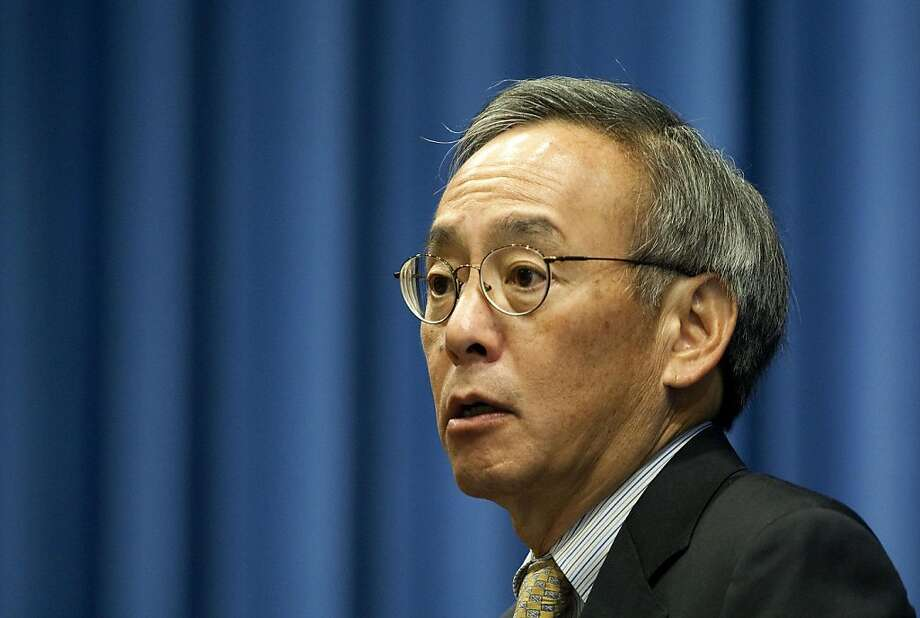 Secretary Steven Chu and his Energy Department have been the focus of unwanted attention. Illustrates ENERGY (category w), by Steven Mufson (c) 2011, The Washington Post. Moved Friday, Oct. 28, 2011. (MUST CREDIT: Bloomberg News photo by Joshua Roberts.) Photo: Bloomberg