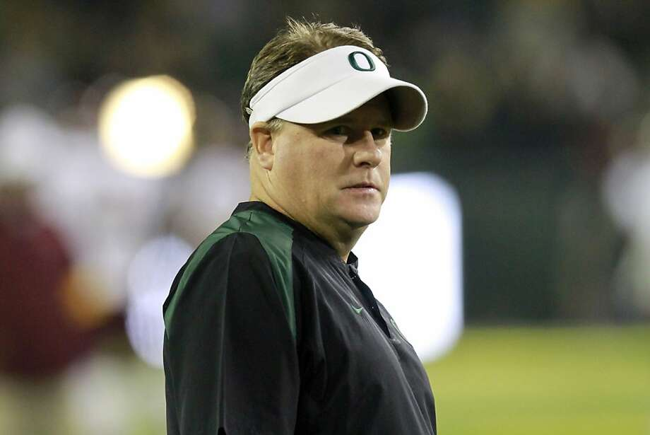 Oregon head football coach Chip Kelly is shown during the first quarter of their NCAA college football game against Arizona State Saturday, Oct. 15, 2011, in Eugene, Ore. (AP Photo/Don Ryan)  Ran on: 11-10-2011 Chip Kelly has gone 30-5 in two-plus years as Oregon's coach. Ran on: 11-10-2011 Chip Kelly has gone 30-5 in two-plus years as Oregon's coach. Photo: Don Ryan, AP