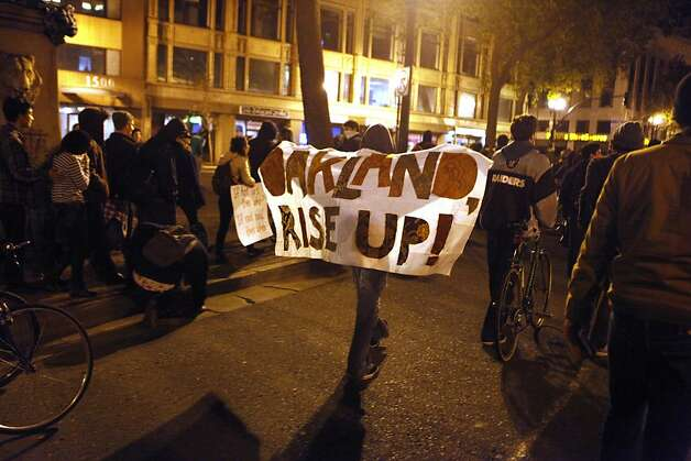Occupy Oakland protestors march near 16th St. and Telegraph Avenue in Oakland, Calif., on Wednesday, Oct. 27, 2011. Photo: Dylan Entelis, The Chronicle