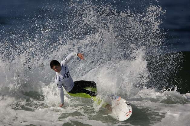 Gabriel Medina of Brazil  surfs in the quarter finals against Kelly Slater (not shown) of the USA during the Rip Curl Pro Search surfing competition at Ocean Beach on Monday, November 7, 2011 in San Francisco, Calif.  Medina won the Rip Curl Pro Search 2011 competition. Photo: Lea Suzuki, The Chronicle