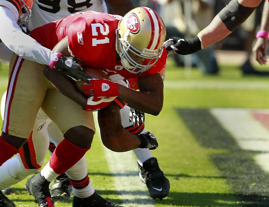 Frank Gore scored the 49ers first touchdown. The San Francisco 49ers defeated the Cleveland Browns 20-10 at Candlestick Park Sunday October 30, 2011. Photo: Brant Ward, The Chronicle