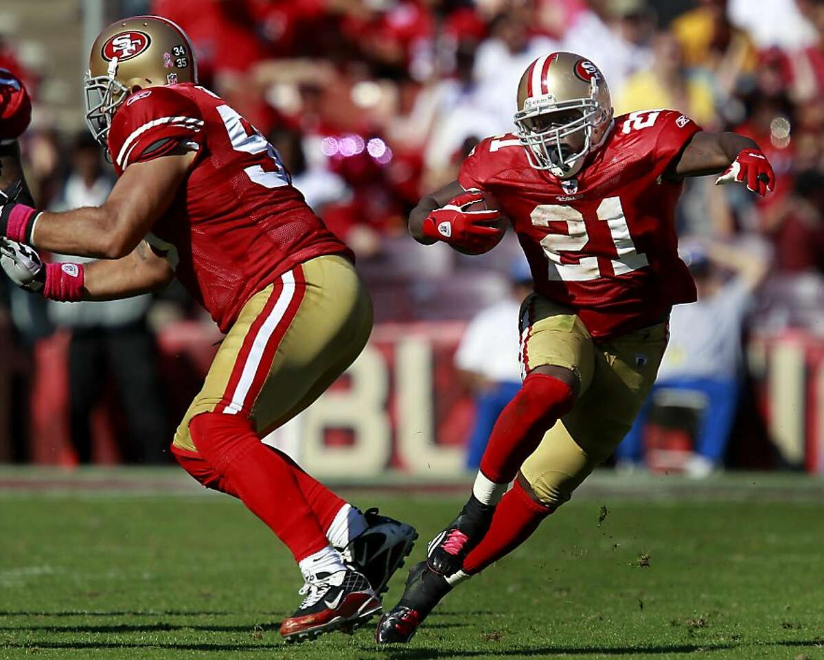 Frank Gore made a nice gain with open field running in the first half. The San Francisco 49ers defeated the Cleveland Browns 20-10 at Candlestick Park Sunday October 30, 2011.
