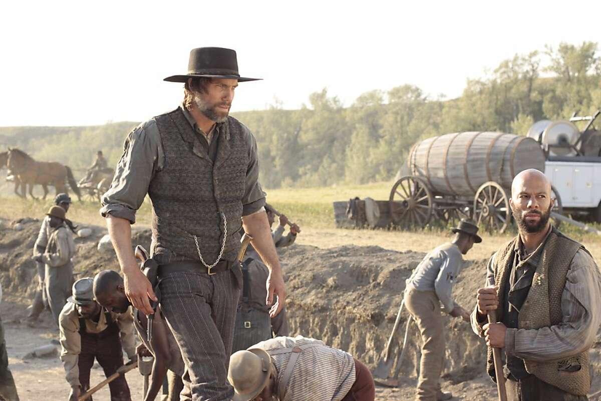 Cullen Bohannon (Anson Mount) and Elam Jefferson (Common) - Hell On Wheels - Season 1, Episode 1