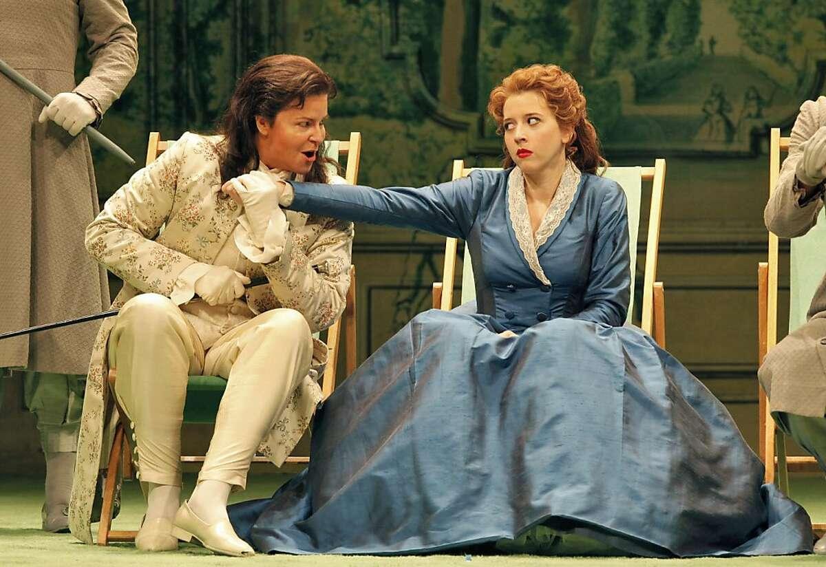 Susan Graham(l.) as Xerxes and Lisette Oropesa as Romilda in Handel's