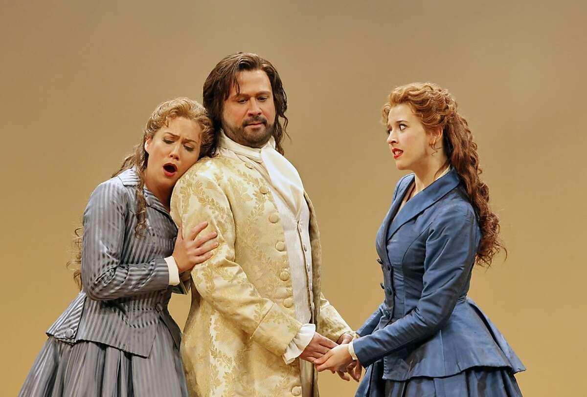 Heidi Stober (l.) as Atalanta, David Daniels as Arsamenes and Lisette Oropesa as Romilda in Handel's