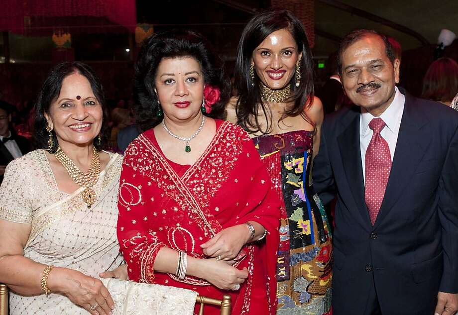 """The Asian Art Museum's opening night gala for """"Maharaja: The Splendor of India's Royal Courts,"""" drew 650 guests to the museum on Oct. 19, 2011. Here, we see, from left to right: an unidentified woman, Princess Asha Raje Gaekwad, Komal Shah (a board member of the museum), and an unidentified man.  ?, Princess Asha Raje Gaekwad, Komal Shah, ? Photo: Drew Altizer"""