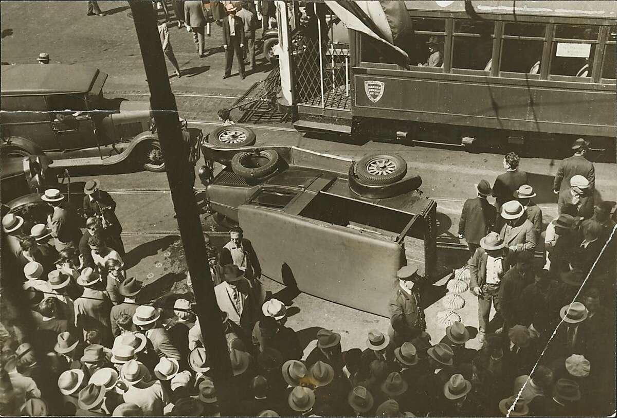 longshoremen3.jpg Jul 13, 1934 SF Maritime strike 1934. Market Street