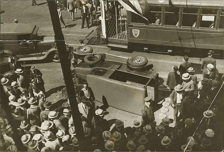 longshoremen3.jpg  Jul 13, 1934  SF Maritime strike 1934. Market Street Photo: San Francisco Chronicle File 19