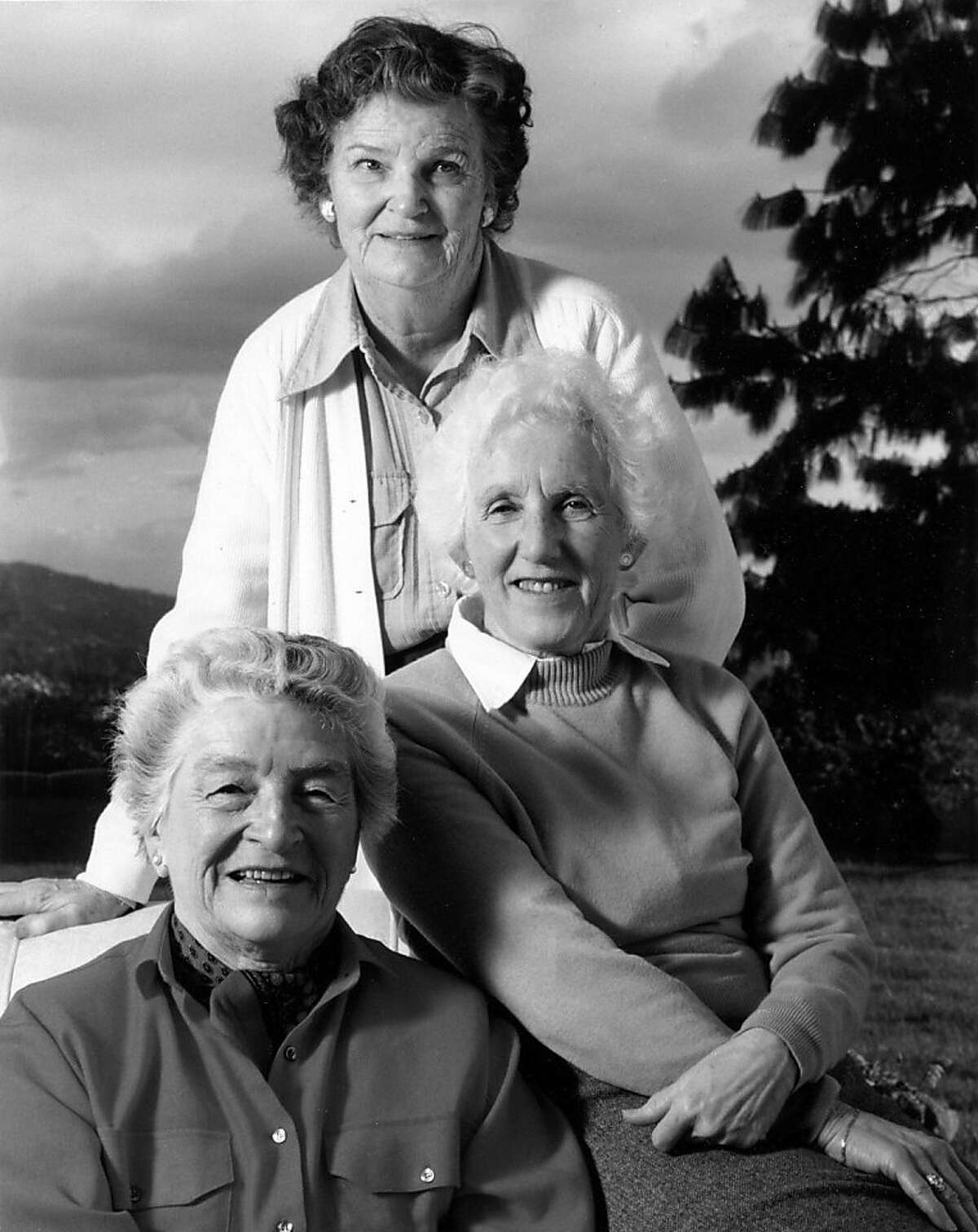 Save the Bay co-founder Catherine Kay Kerr, top, sits with friends Sylvia McLaughlin, left and Esther Gulick. Kerr, 99, died at her home in El Cerrito December 18, 2010. Ran on: 01-03-2011 Save the Bay co-founders Catherine Kay Kerr (top), Sylvia McLaughlin (left) and Esther Gulick. Mrs. Kerr died Dec. 18 at her home in El Cerrito. Ran on: 01-03-2011 Save the Bay co-founders Catherine Kay Kerr (top), Sylvia McLaughlin (left) and Esther Gulick. Mrs. Kerr died Dec. 18 at her home in El Cerrito.