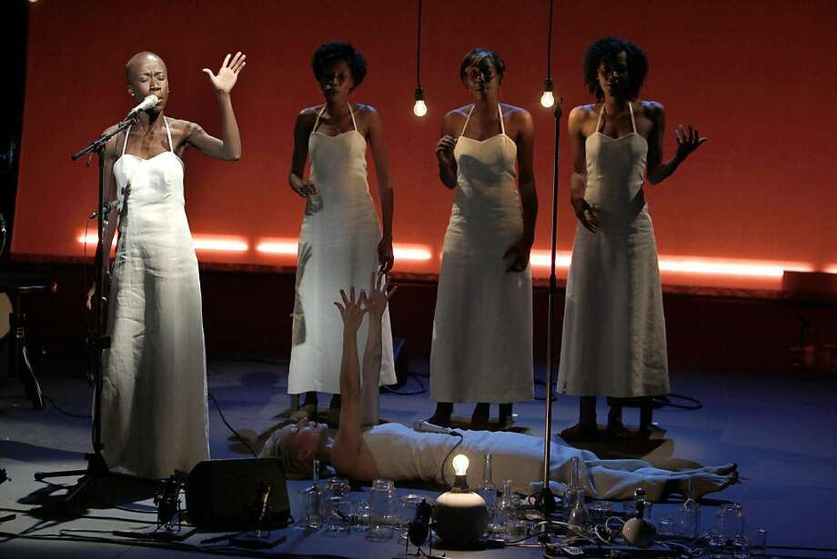 "This Tuesday Oct.11, 2011 photo provided Friday Oct.14, 2011 by the Theatre des Amandiers, singer Rokia Traore, of Mali, left, performs in Desdemona, directed by American director Peter Sellars,  at the Amandier theater in Nanterre, outside Paris. With ""Desdemona,"" a play that opened earlier this week at the Theatre des Amandiers in the Paris suburb of Nanterre, the Nobel laureate Toni Morisson probes the hidden suffering and occult oppression woven into Shakespeare's tale Othello. (AP Photo/Pascal Victor/ArtComArt) NO SALES   EDITORIAL USE ONLY Photo: Pascal Victor, AP"