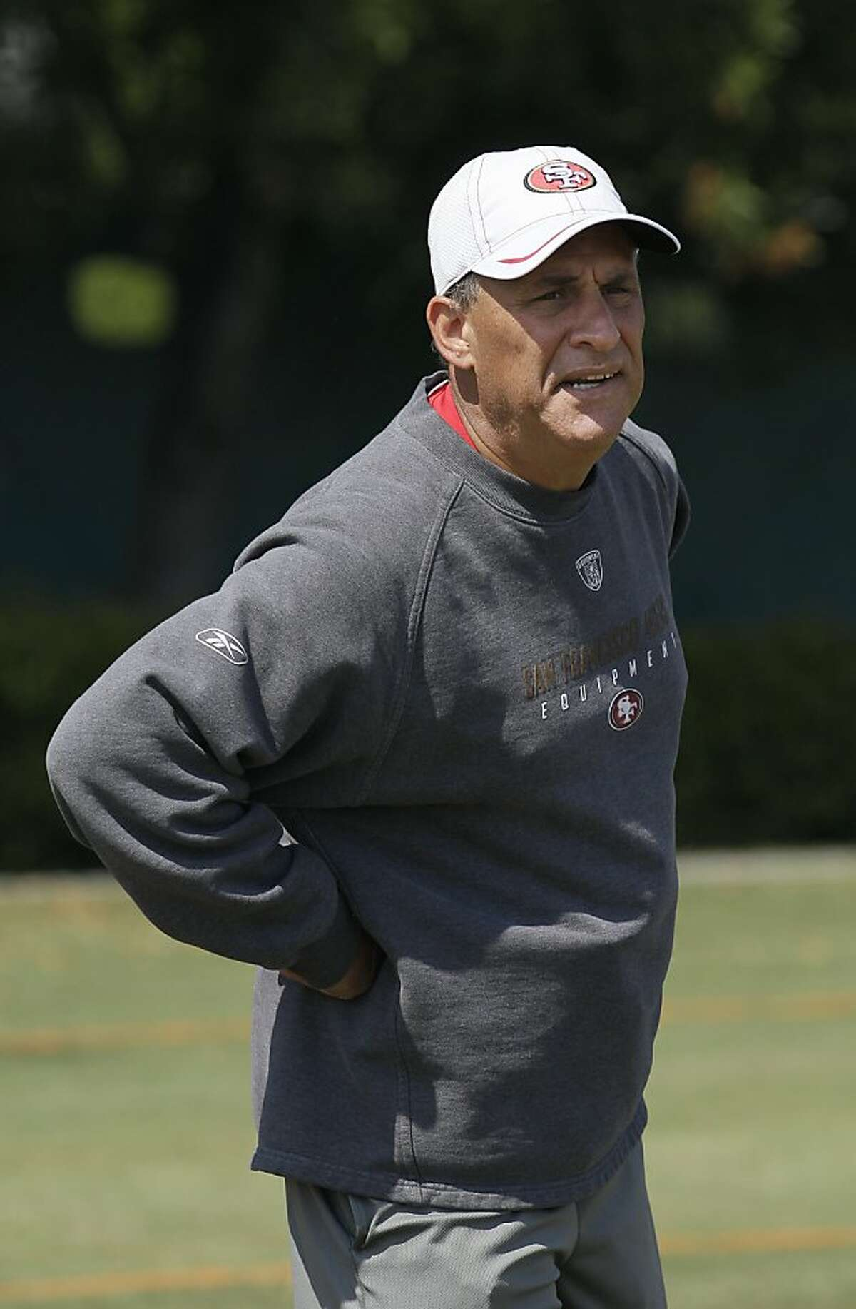 San Francisco 49ers defensive coordinator Vic Fangio during NFL football training camp in Santa Clara, Calif., Friday, July 29, 2011. (AP Photo/Jeff Chiu) Ran on: 10-27-2011 Vic Fangio has mastered the art of the matchup.