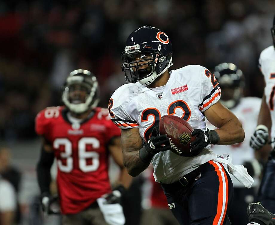 Chicago Bears running back Matt Forte (22) runs for a touchdown in the first quarter. The Chicago Bears defeated the Tampa bay Buccaneers, 24-18, during an NFL game at Wembley Stadium in London, England, on Sunday, October 23, 2011. (Brian Cassella/Chicago Tribune/MCT) Photo: Brian Cassella, MCT