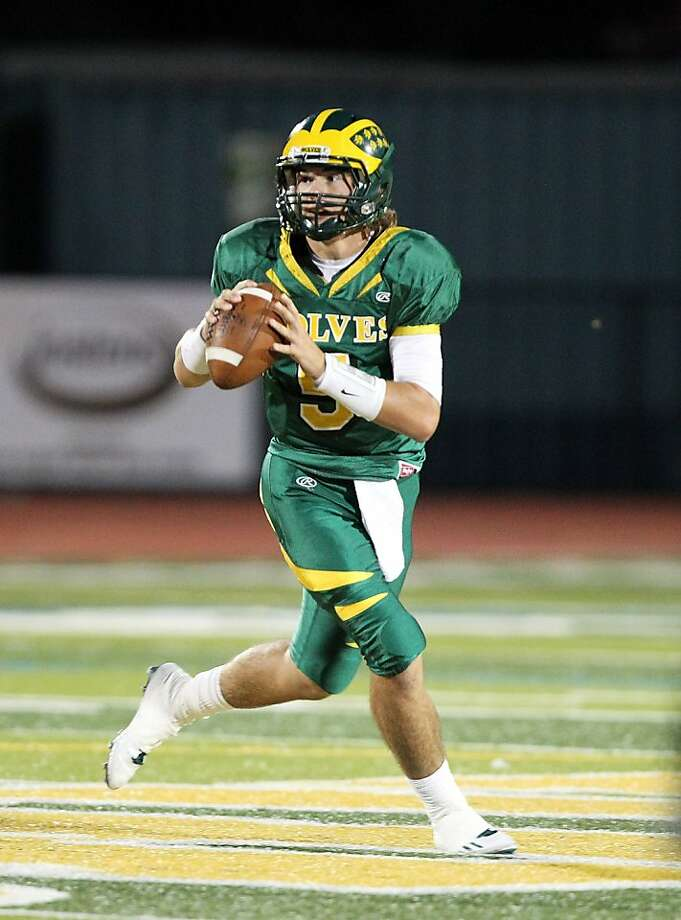San Ramon Valley quarterback Zach Kline has given a verbal commitment to play at Cal.   Ran on: 10-28-2011 San Ramon Valley-Danville quarterback Zach Kline struggled last season after committing to Cal. Ran on: 10-28-2011 San Ramon Valley-Danville quarterback Zach Kline struggled last season after committing to Cal. Photo: Dennis Lee, Courtesy Photo