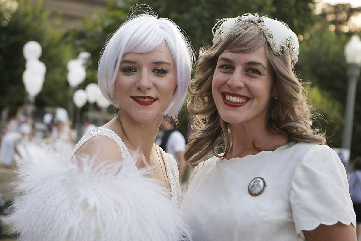 Jillian West (left) and Kristen Cordle at Le Diner San Francisco in Golden Gate Park in San Francisco, Calif., on Friday, Oct. 14, 2011. All the participants in the dinner wear all white clothing.