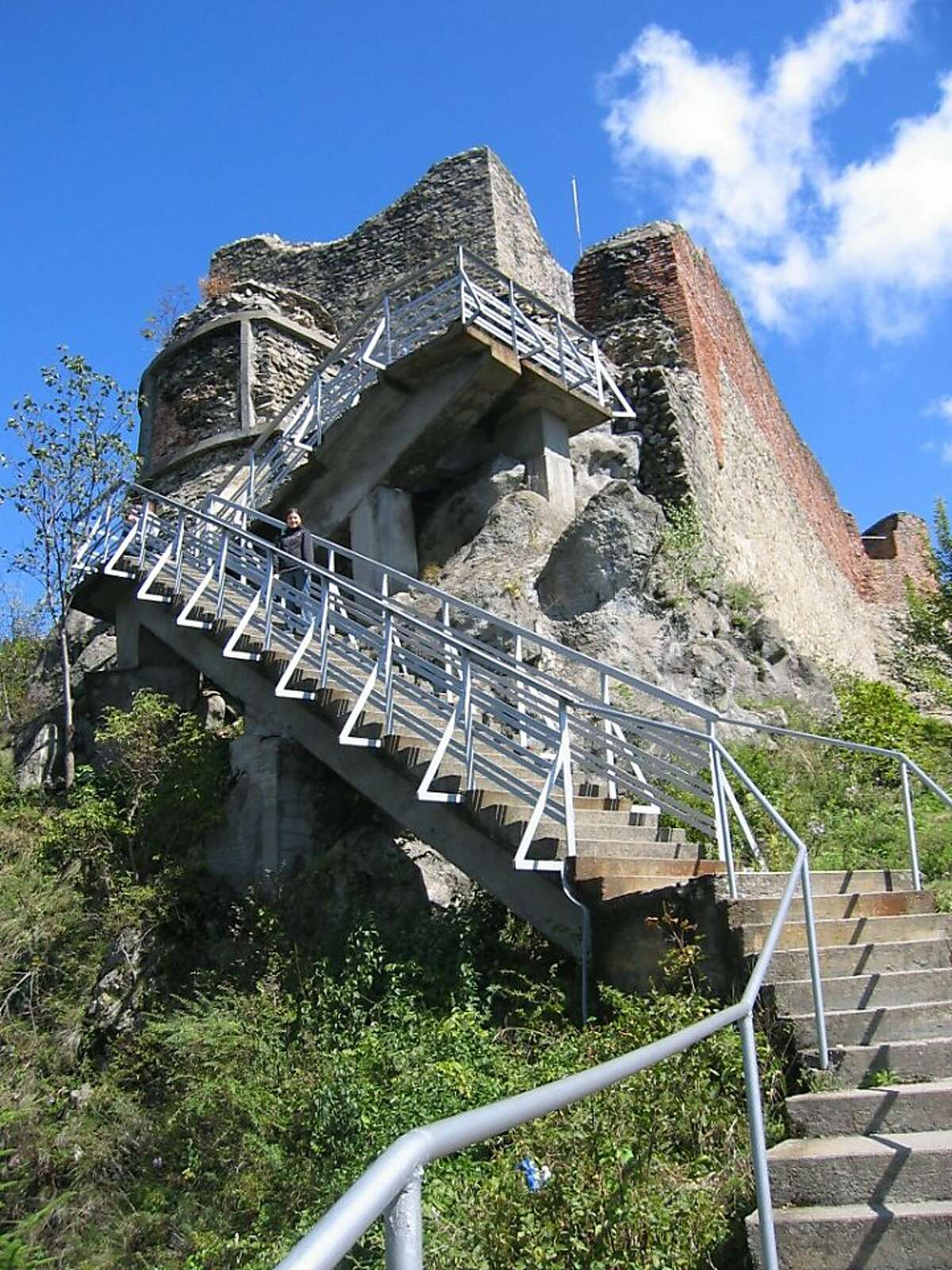 Visiting the ruins of Poienari Citadel require climbing a monstrous number of stairs.