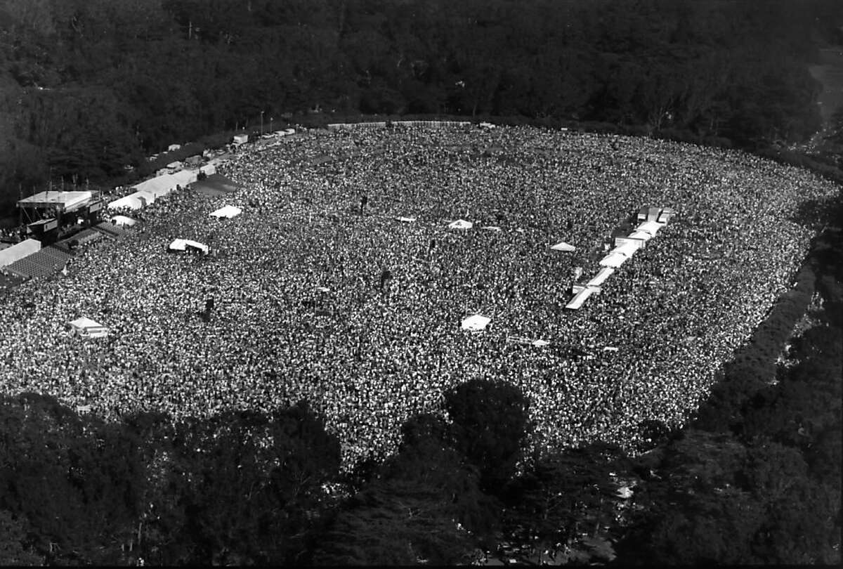 A crowd at the Polo Fields in Golden Gate Park gathers in remembrance of Bill Graham in 1991.
