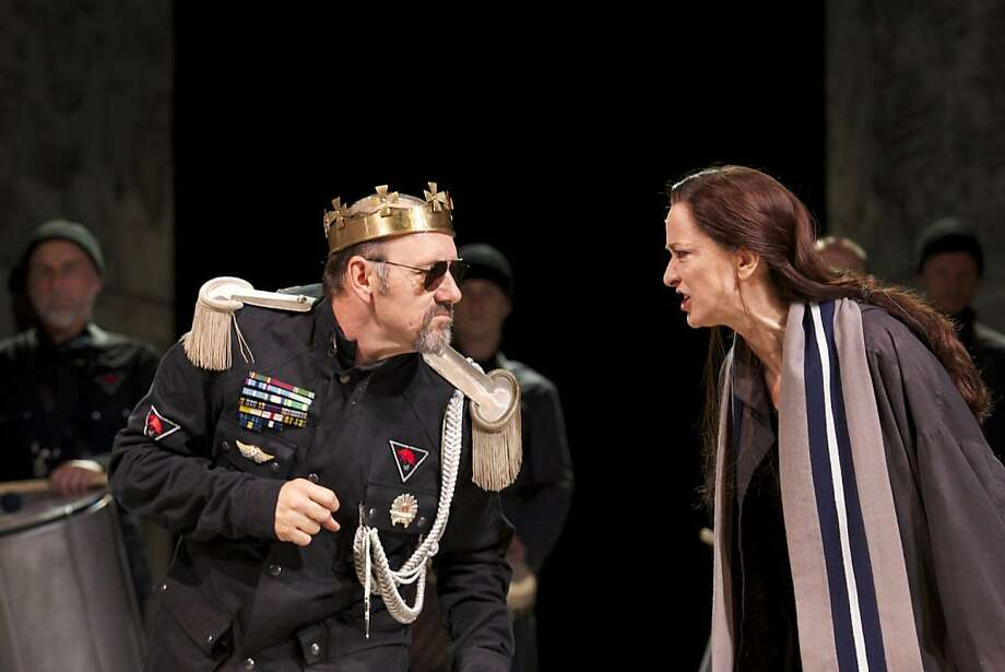 "Richard III (Kevin Spacey) confronts an angry Queen Elizabeth (Haydn Gwynne) in the Bridge Project tour of Sam Mendes' Old Vic production of ""Richard III"" Photo: Manual Harlan"