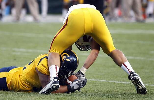 California Golden Bears Trevor Guyton #92 recovers a USC fumble in the first falf of the game at AT&T Park on October 13, 2011 in San Francisco, California. USC won 30-9. Photo: Lance Iversen, The Chronicle