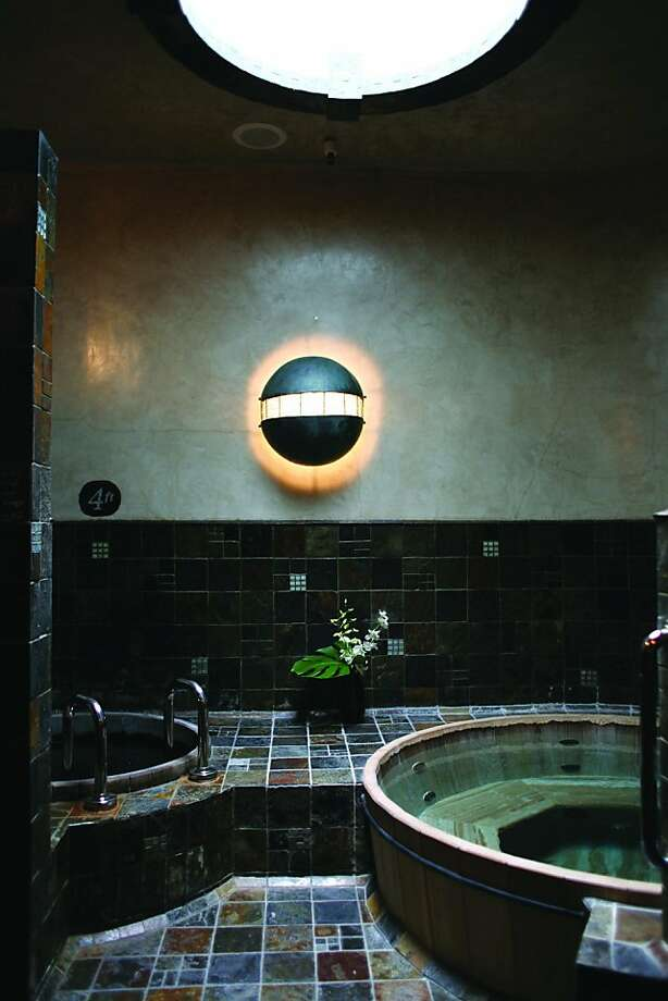 Watercourse Way Bathhouse Spa's Four Waterouzels hot tub room. Photo: Watercourse Way Bathhouse Spa