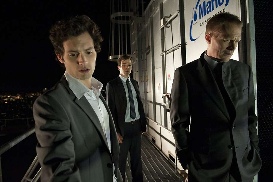 Penn Badgley as Seth Bregman, Zachary Quinto as Peter Sullivan, and Paul Bettany as Will Emerson in MARGIN CALL, written and directed by J.C. Chandor. Photo: Walter Thomson, Roadside Attractions