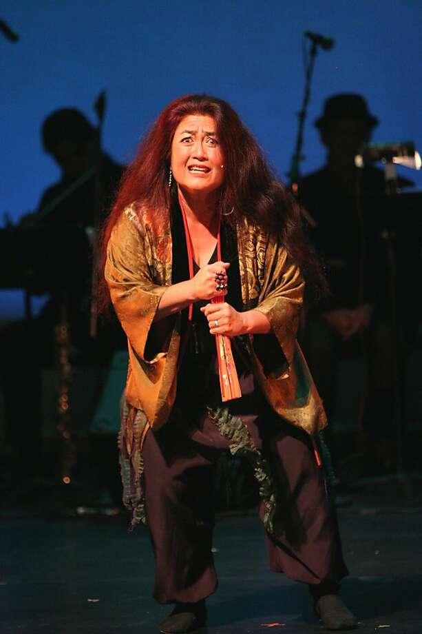 "Brenda Wong Aoki performs Japanese ghost legends in her ""Kabuki Jazz Cabaret"" Photo: Andy Nozaka"