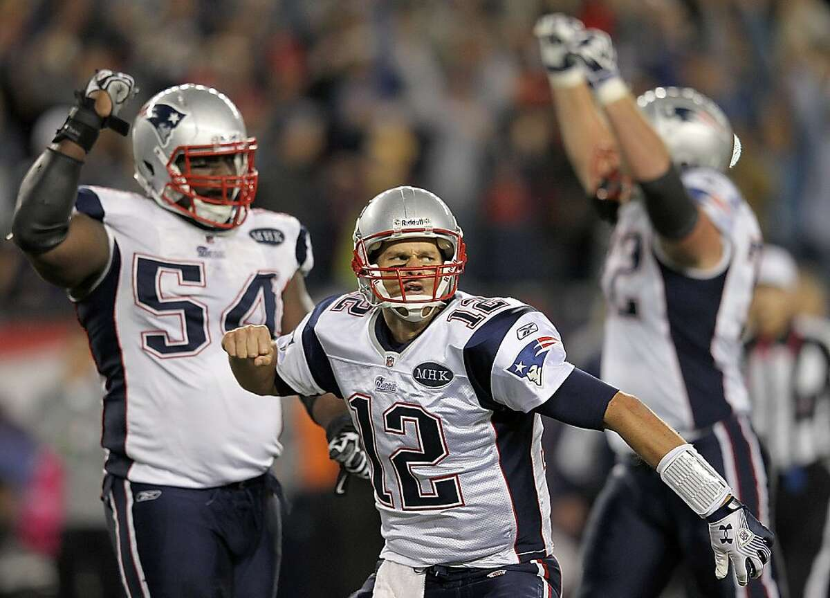 FOXBORO, MA - OCTOBER 16: Tom Brady #12 of the New England Patriots reacts after the game-winning touchdown in the fourth quarter against the Dallas Cowboys at Gillette Stadium on October 16, 2011 in Foxboro, Massachusetts. The Patriots won 20-16. (Photo by Jim Rogash/Getty Images)