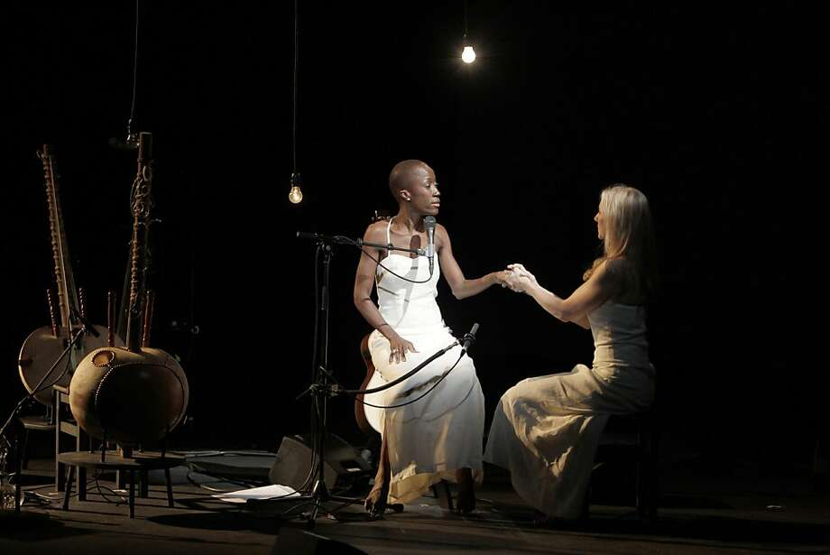 "This Tuesday Oct.11, 2011 photo provided Friday Oct.14, 2011 by the Theatre des Amandiers, singer Rokia Traore, of Mali, left, performs with USA's Tina Benko in Desdemona, directed by American director Peter Sellars,  at the Amandier theater in Nanterre, outside Paris. With ""Desdemona,"" a play that opened earlier this week, the Nobel laureate Toni Morisson probes the hidden suffering and occult oppression woven into Shakespeare's tale Othello. (AP Photo/Pascal Victor/ArtComArt) NO SALES - EDITORIAL USE ONLY Photo: Pascal Victor, AP"