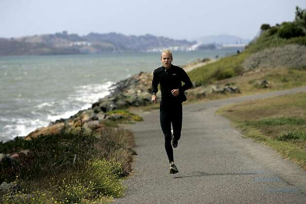 Sam Fox, 24, of Berkeley, trains for his upcoming 60-day hike and run in Berkeley, Calif., August 4, 2011.   Fox is attempting to break the current world record of 65 days to hike the entire 2,650-Mile Pacific Crest Trail to raise money for Parkinson's research. Photo: Sarah Rice, Special To The Chronicle