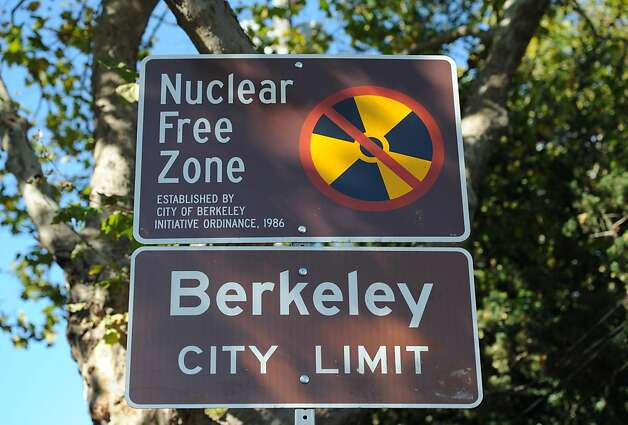 A Nuclear Free Zone sign is seen on College Avenue near Alcatraz on October 7, 2011. Berkeley city councilman Gordon Wozniak  is pushing to get the city to reverse its policy on not investing in US Treasury bonds. Photo: Susana Bates, Special To The Chronicle